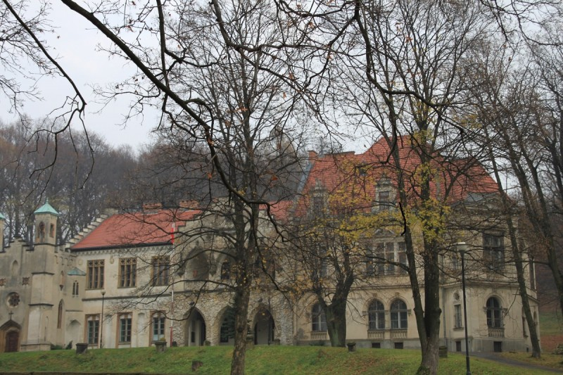 The Palace and Park Complex in Młoszowa